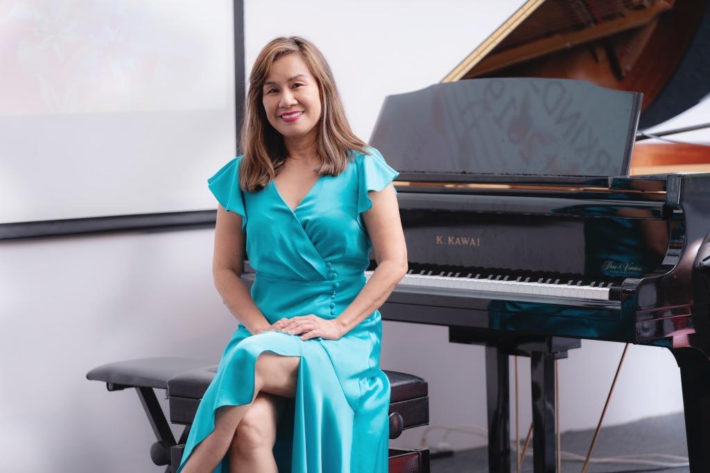 Julia Hoang